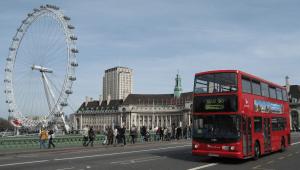 rode bus londen